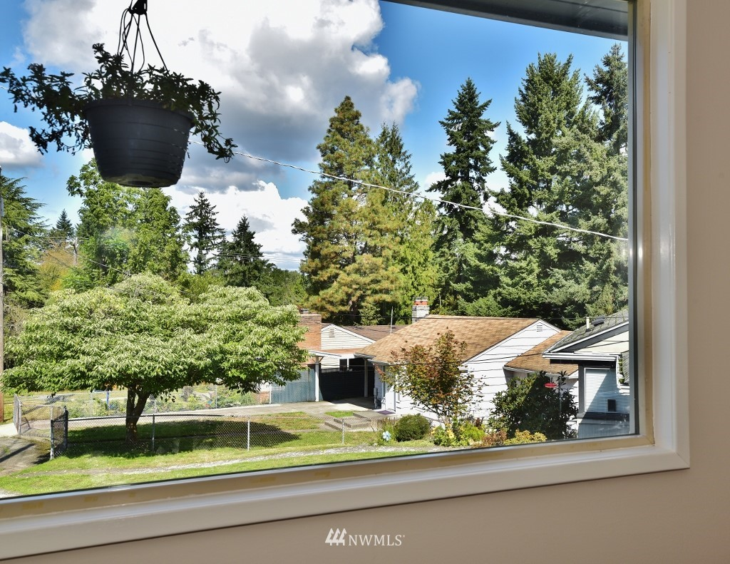 Sold Property | 13227 8th Place SW Burien, WA 98146 3