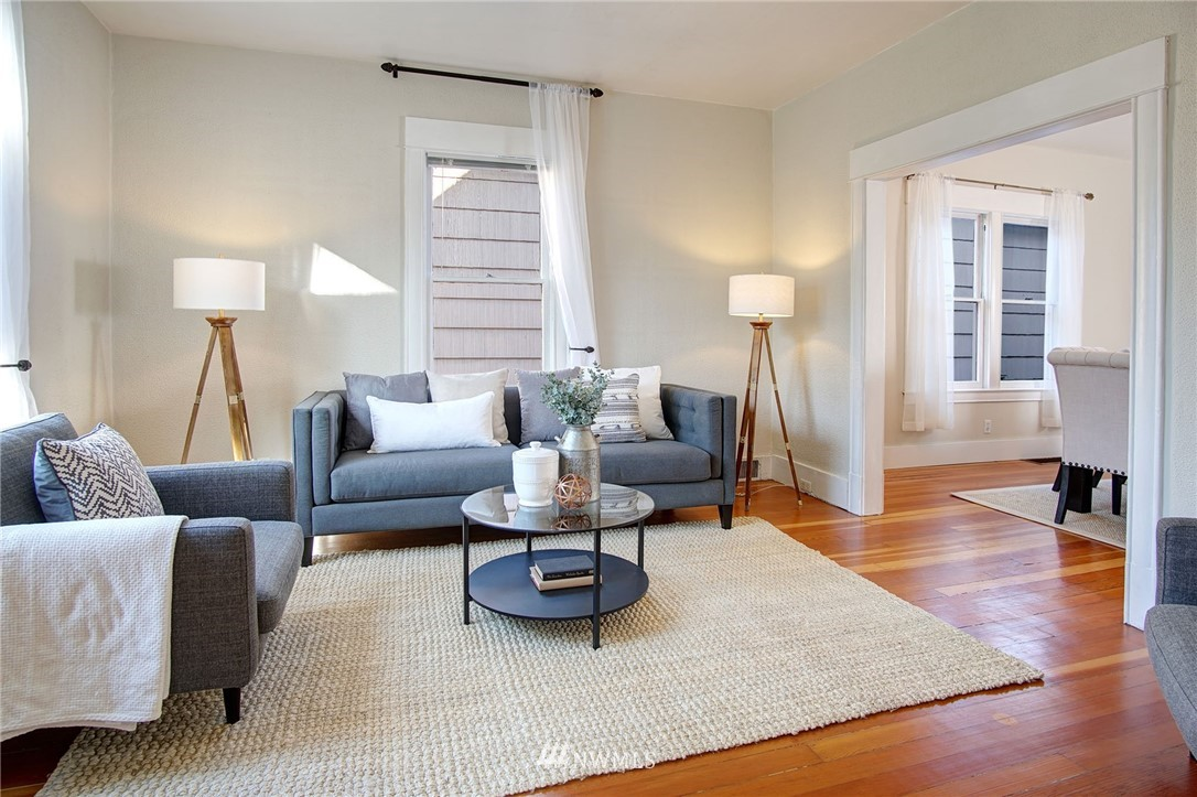 Sold Property | 524 N 76th Street Seattle, WA 98103 2