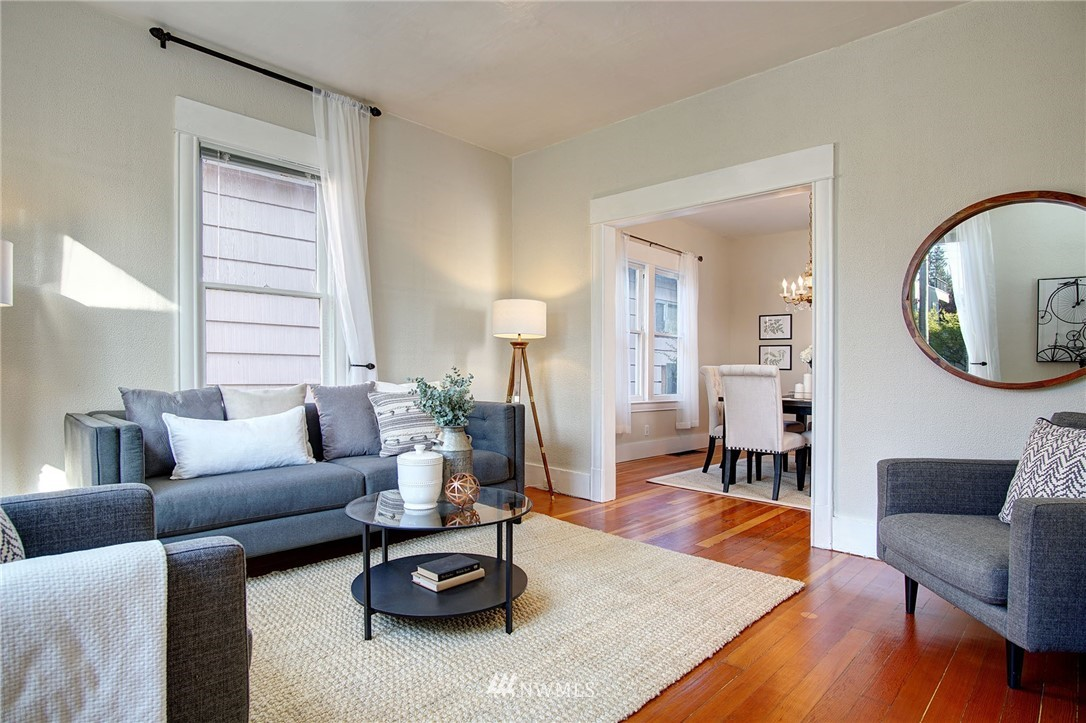 Sold Property | 524 N 76th Street Seattle, WA 98103 3