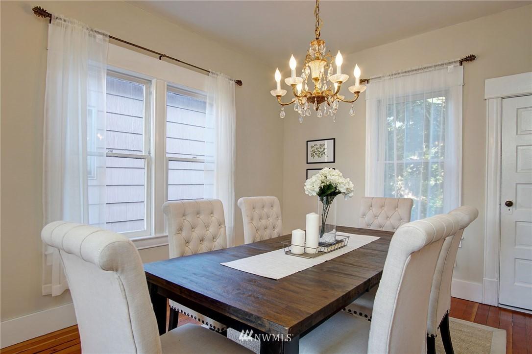 Sold Property | 524 N 76th Street Seattle, WA 98103 4