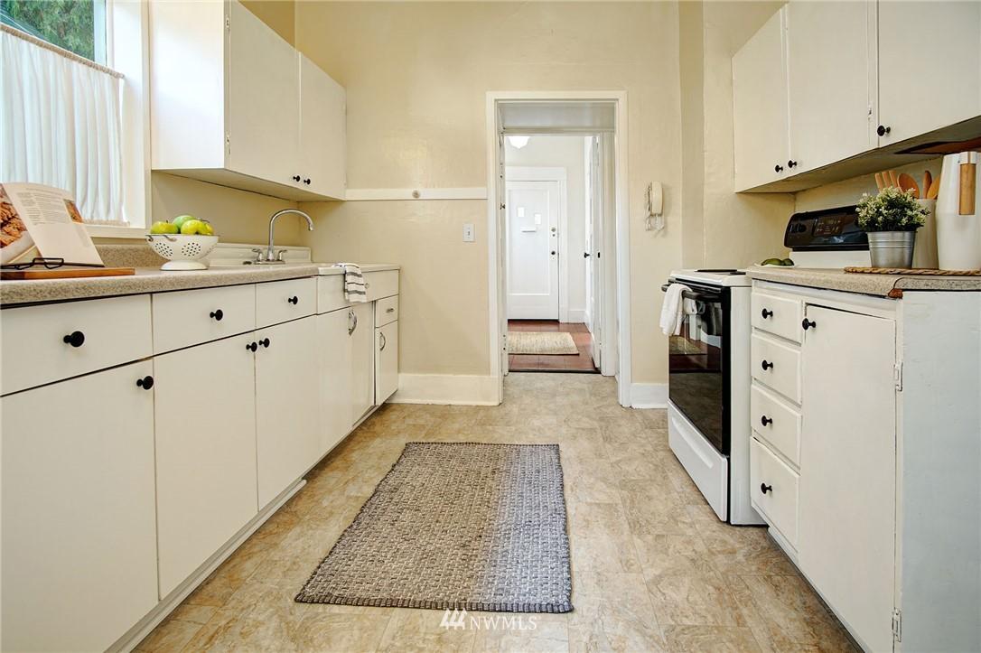 Sold Property | 524 N 76th Street Seattle, WA 98103 6