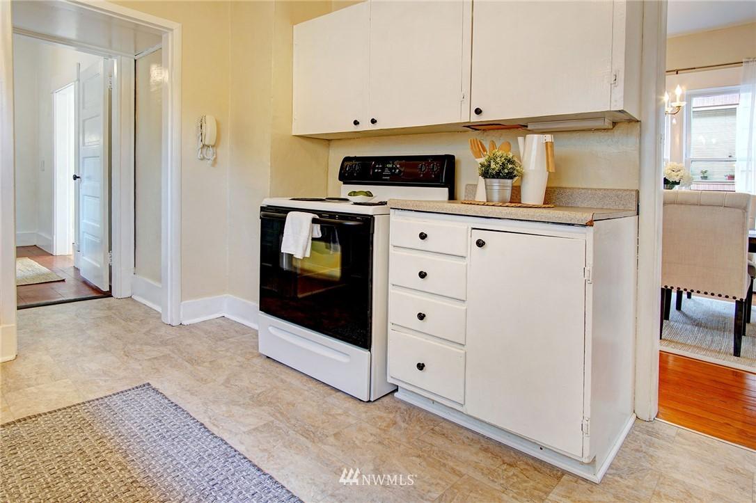 Sold Property | 524 N 76th Street Seattle, WA 98103 7
