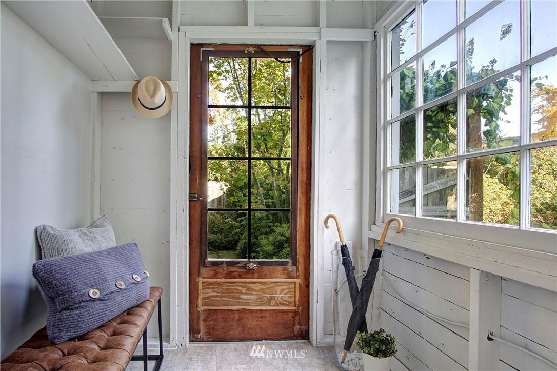 Sold Property | 524 N 76th Street Seattle, WA 98103 10