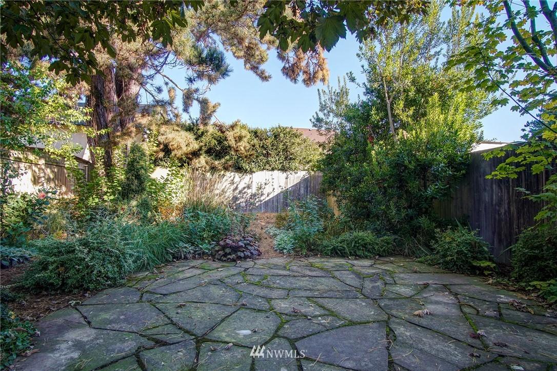 Sold Property | 524 N 76th Street Seattle, WA 98103 11