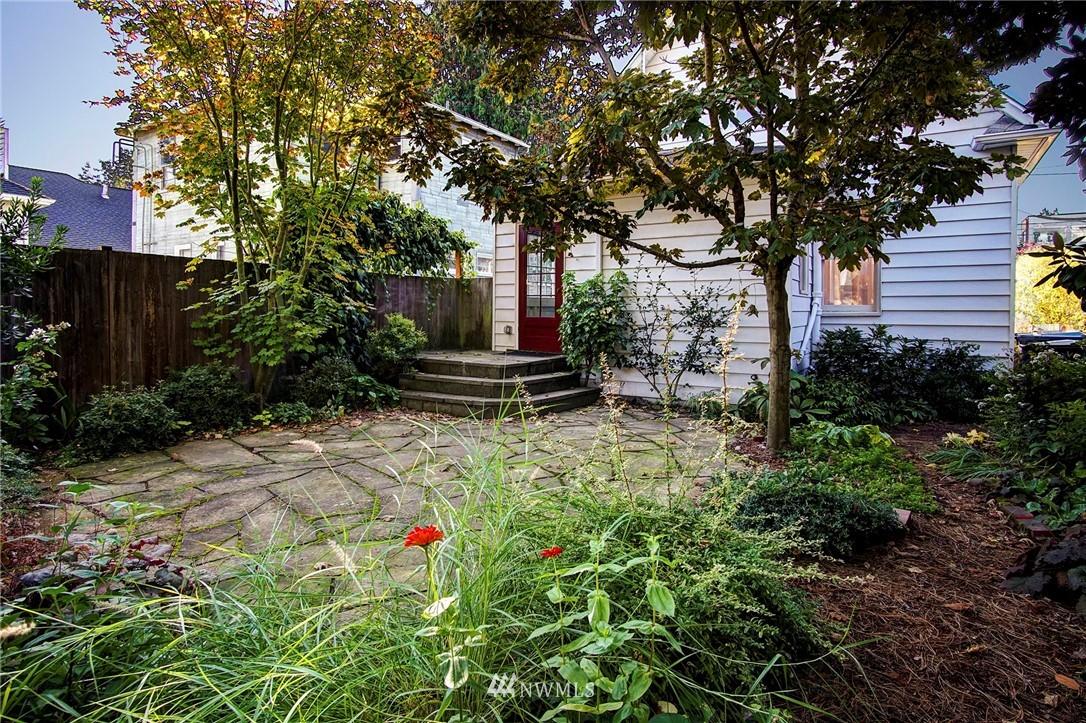 Sold Property | 524 N 76th Street Seattle, WA 98103 12