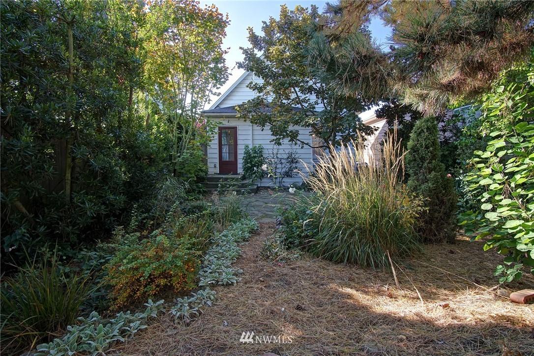 Sold Property | 524 N 76th Street Seattle, WA 98103 13