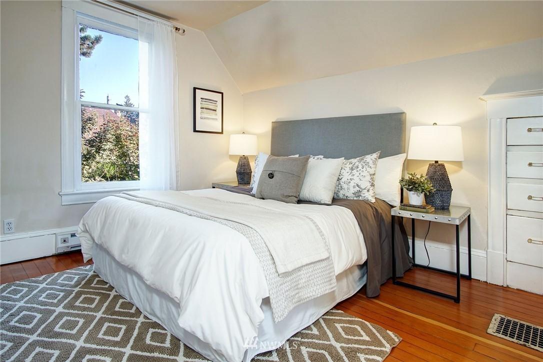 Sold Property | 524 N 76th Street Seattle, WA 98103 14