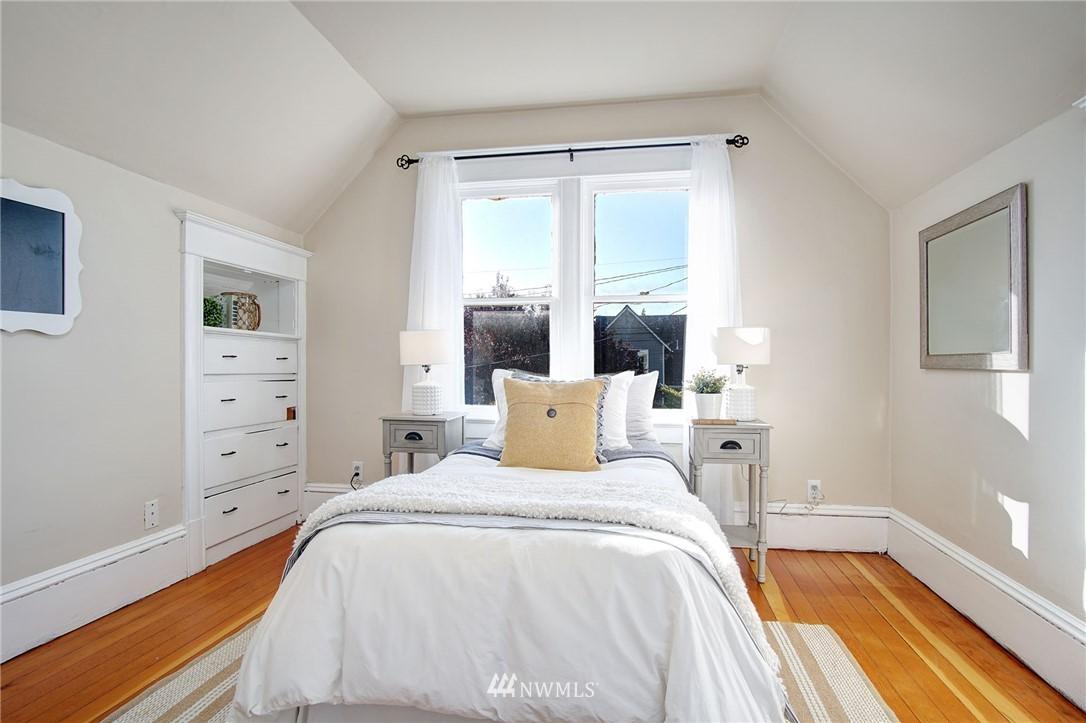 Sold Property | 524 N 76th Street Seattle, WA 98103 16