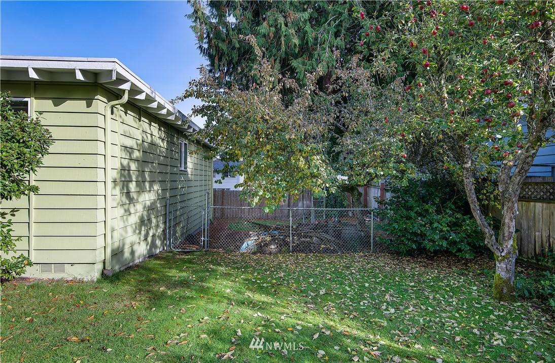 Sold Property | 8428 216th Street SW Edmonds, WA 98026 4