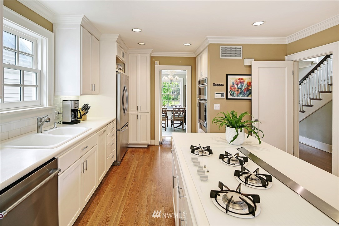 Sold Property   2128 E Hamlin Seattle, WA 98112 7