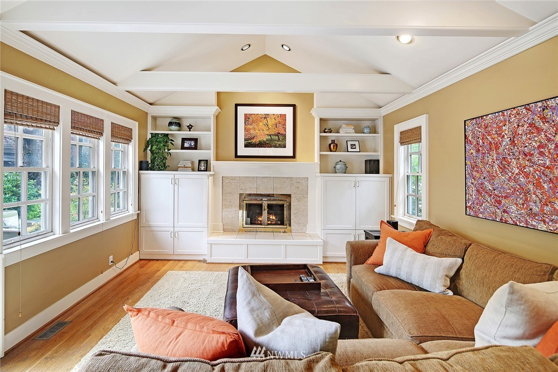 Sold Property   2128 E Hamlin Seattle, WA 98112 10