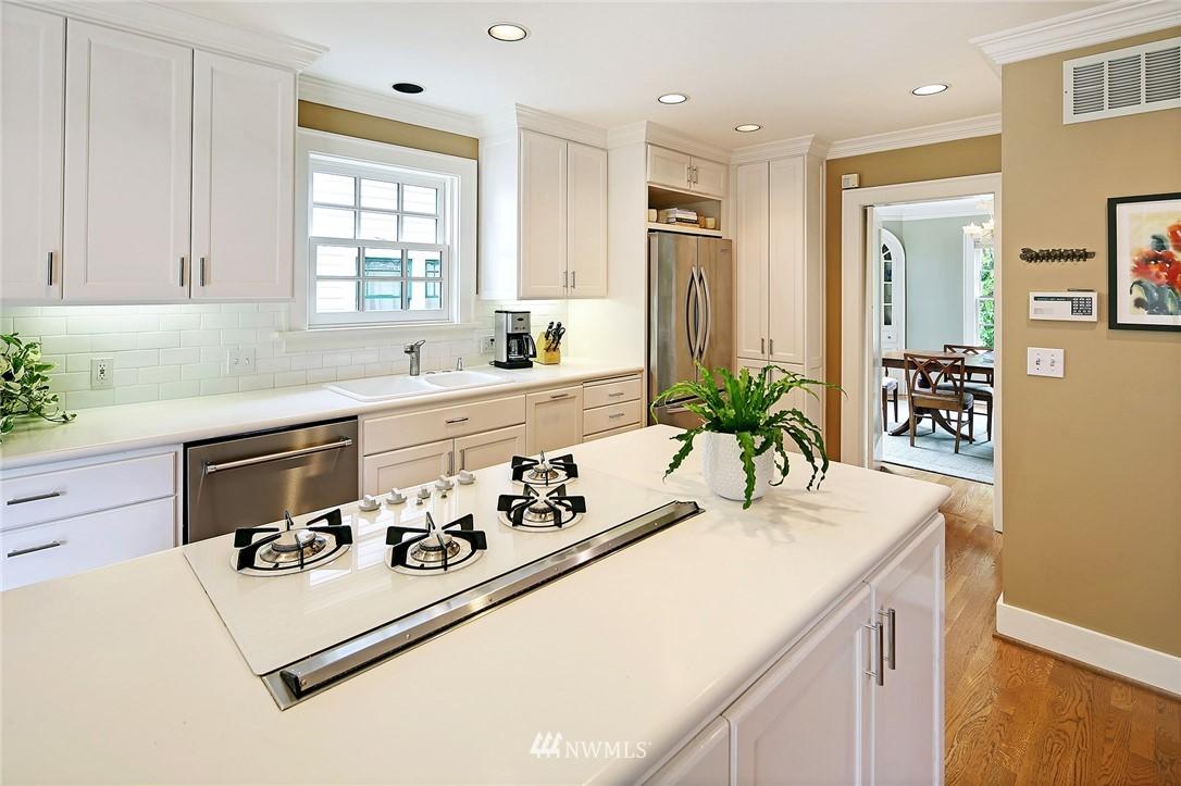 Sold Property   2128 E Hamlin Seattle, WA 98112 8