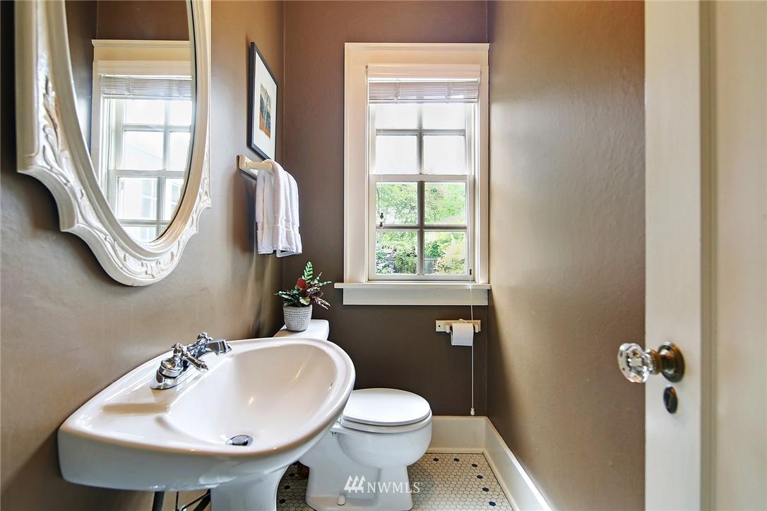 Sold Property   2128 E Hamlin Seattle, WA 98112 15