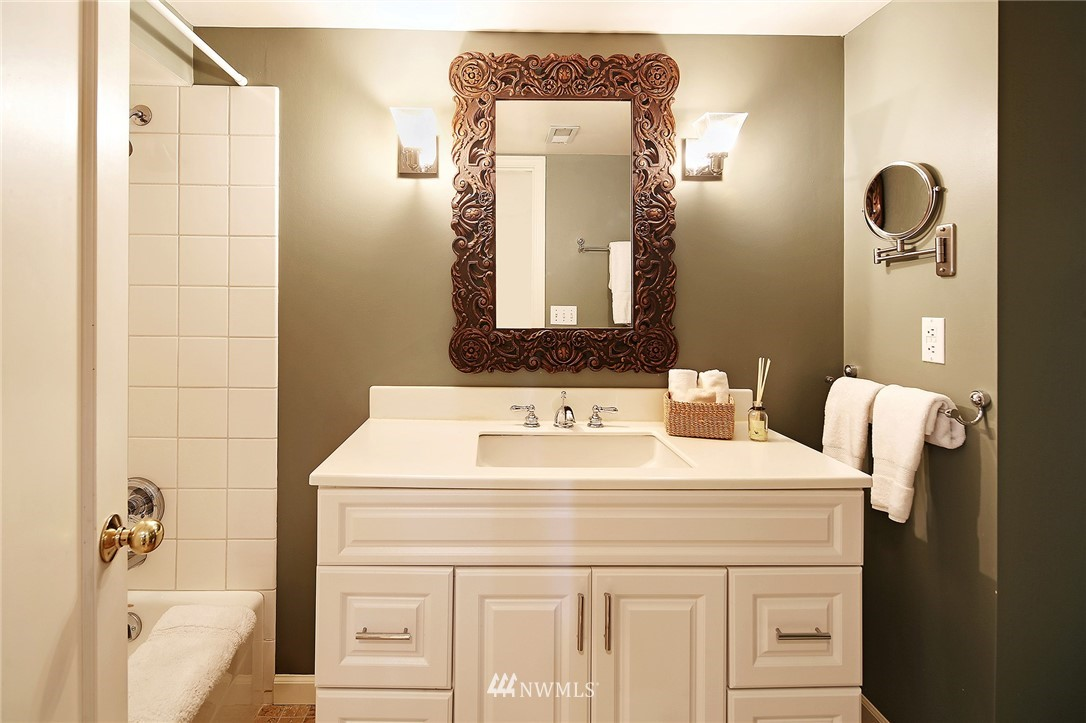 Sold Property   2128 E Hamlin Seattle, WA 98112 22