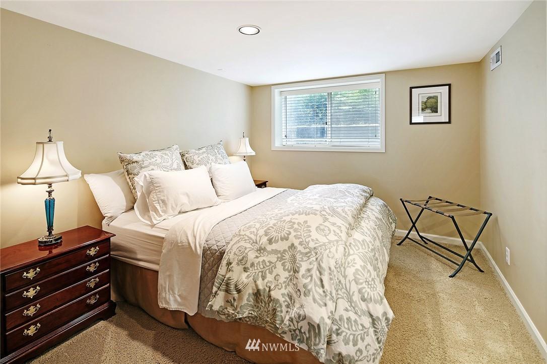 Sold Property   2128 E Hamlin Seattle, WA 98112 23