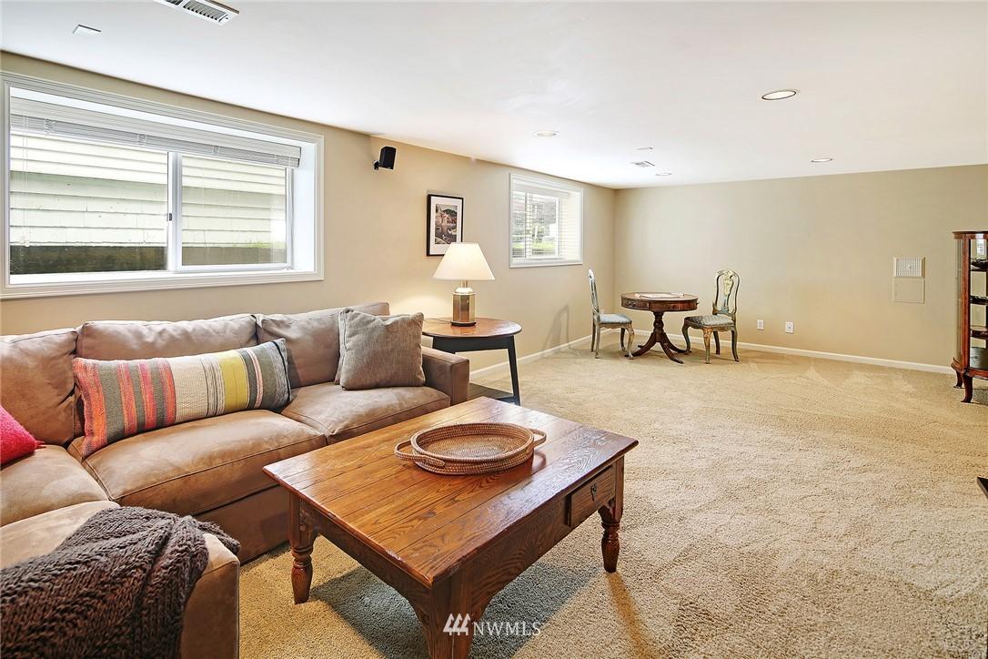 Sold Property   2128 E Hamlin Seattle, WA 98112 25