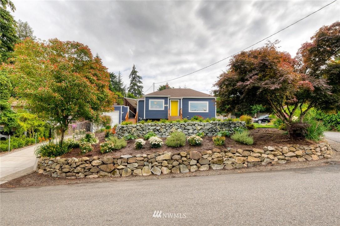 Sold Property | 1805 S 104th Street Seattle, WA 98168 2