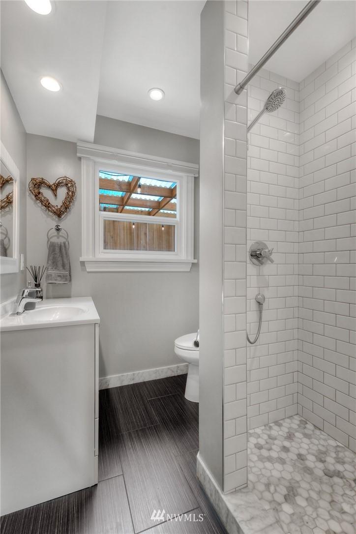 Sold Property | 1805 S 104th Street Seattle, WA 98168 11