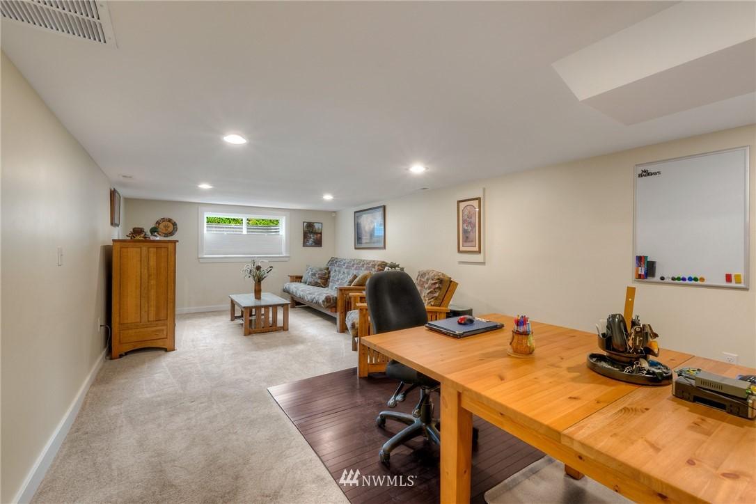 Sold Property | 1805 S 104th Street Seattle, WA 98168 15