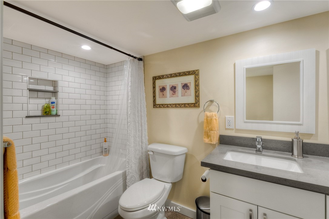 Sold Property | 1805 S 104th Street Seattle, WA 98168 18