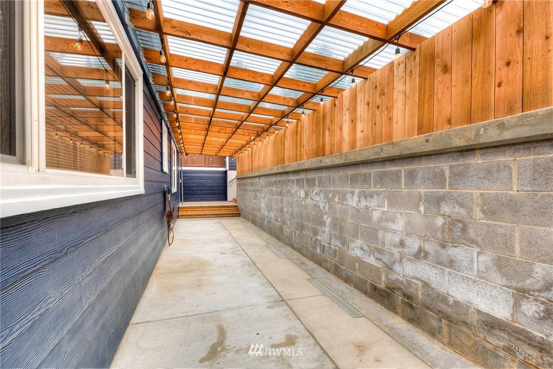 Sold Property | 1805 S 104th Street Seattle, WA 98168 19