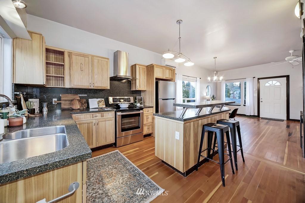 Sold Property | 7731 38th Avenue SW Seattle, WA 98126 5