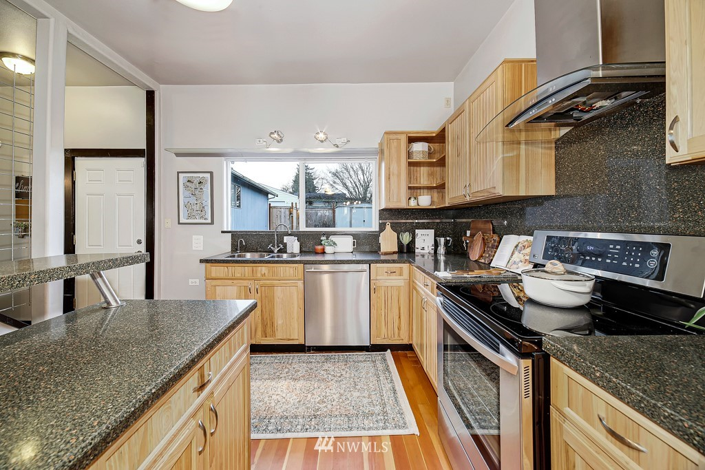 Sold Property | 7731 38th Avenue SW Seattle, WA 98126 6
