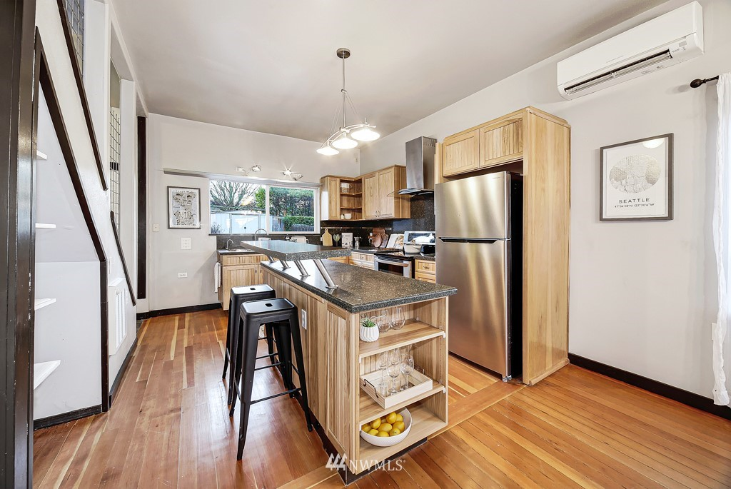 Sold Property | 7731 38th Avenue SW Seattle, WA 98126 7