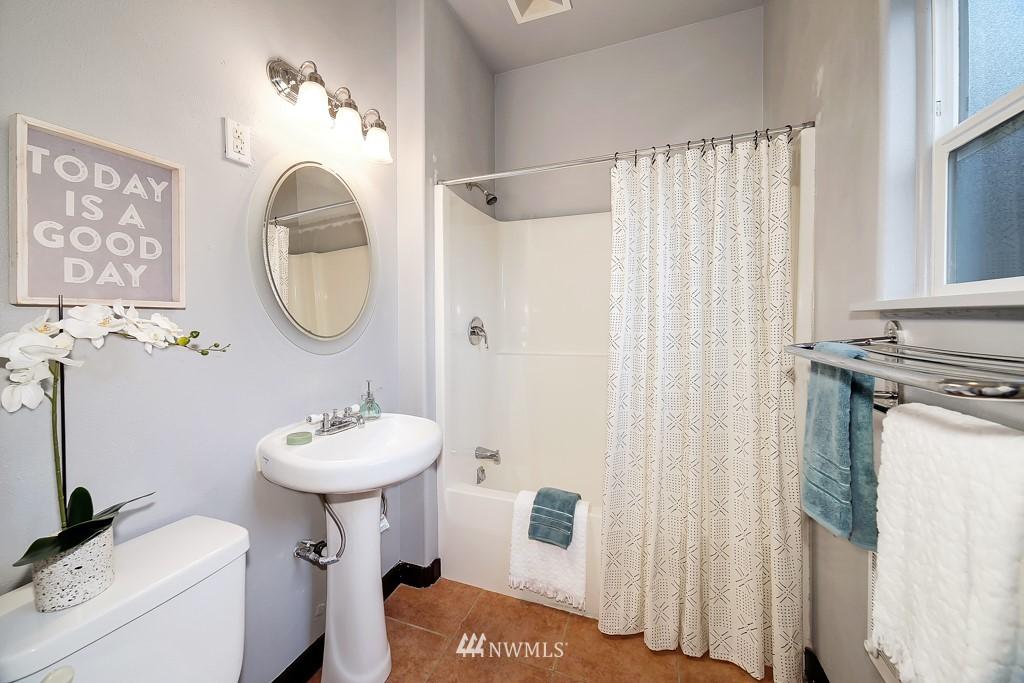Sold Property | 7731 38th Avenue SW Seattle, WA 98126 9