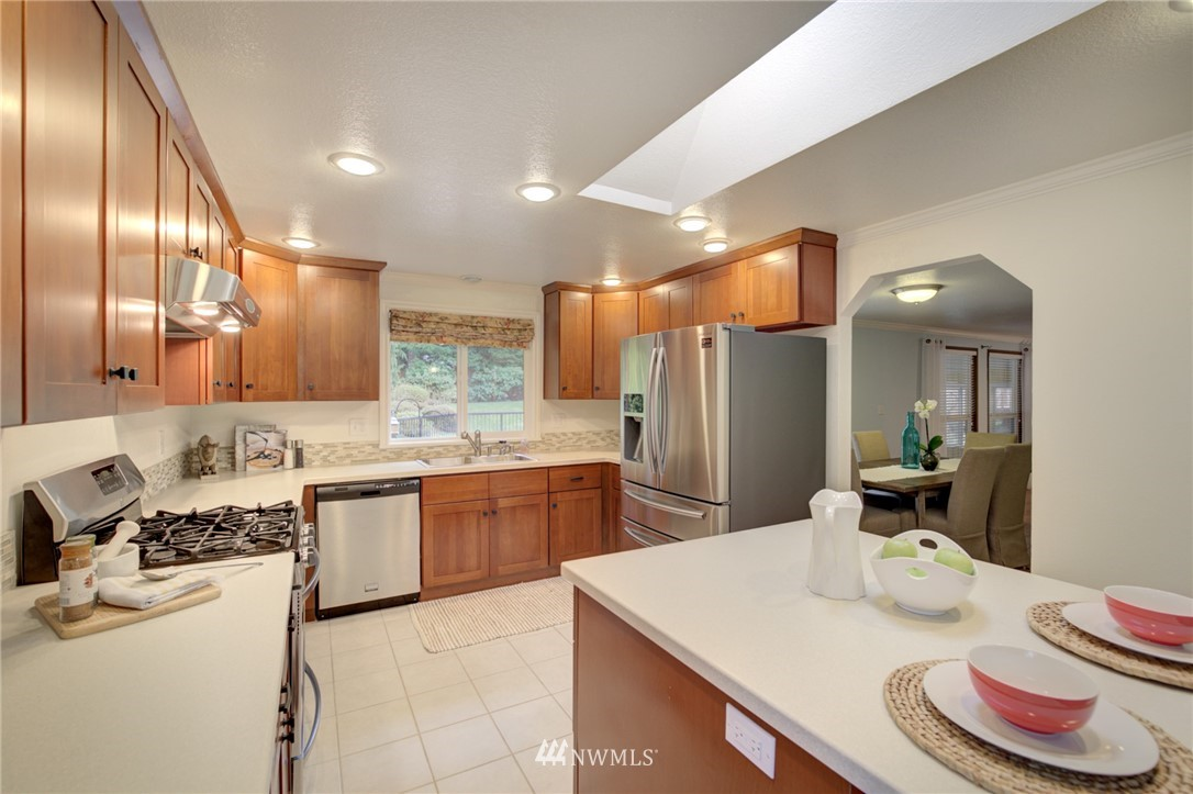 Sold Property | 25222 215th Place SE Maple Valley, WA 98038 10