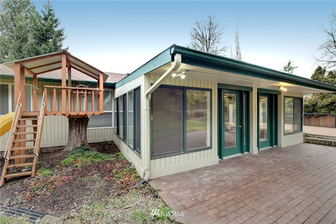 Sold Property | 25222 215th Place SE Maple Valley, WA 98038 32