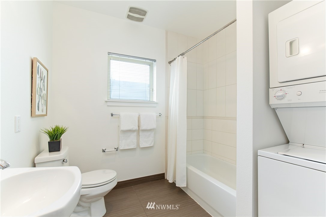 Sold Property | 1620 Belmont Avenue #631 Seattle, WA 98122 13