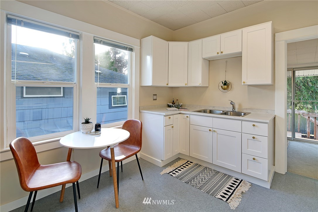 Sold Property   7351 20th Avenue NW Seattle, WA 98117 6