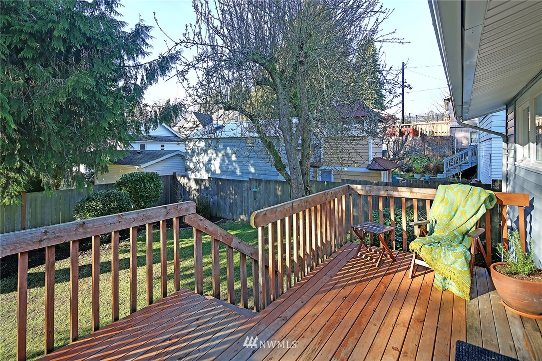 Sold Property   7351 20th Avenue NW Seattle, WA 98117 16