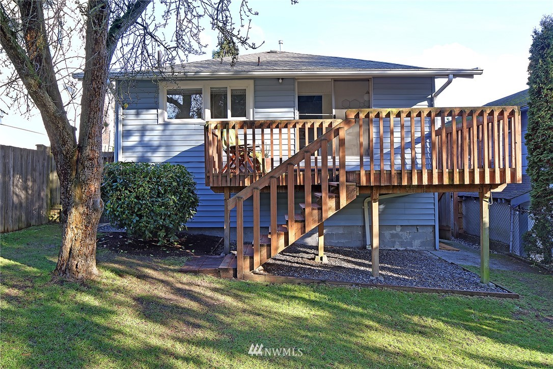 Sold Property   7351 20th Avenue NW Seattle, WA 98117 17