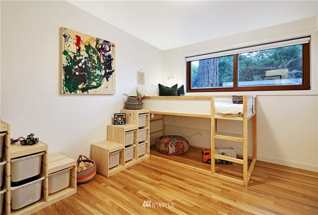 Sold Property | 15634 SE 8th Street Bellevue, WA 98008 12