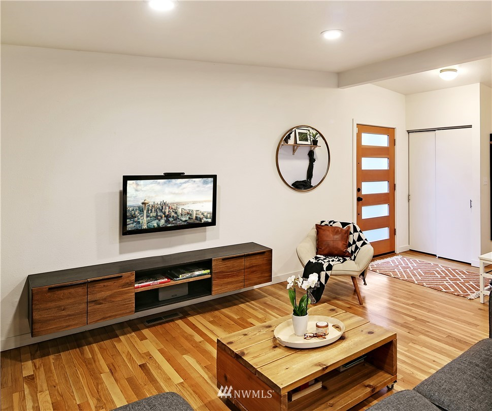 Sold Property | 15634 SE 8th Street Bellevue, WA 98008 3