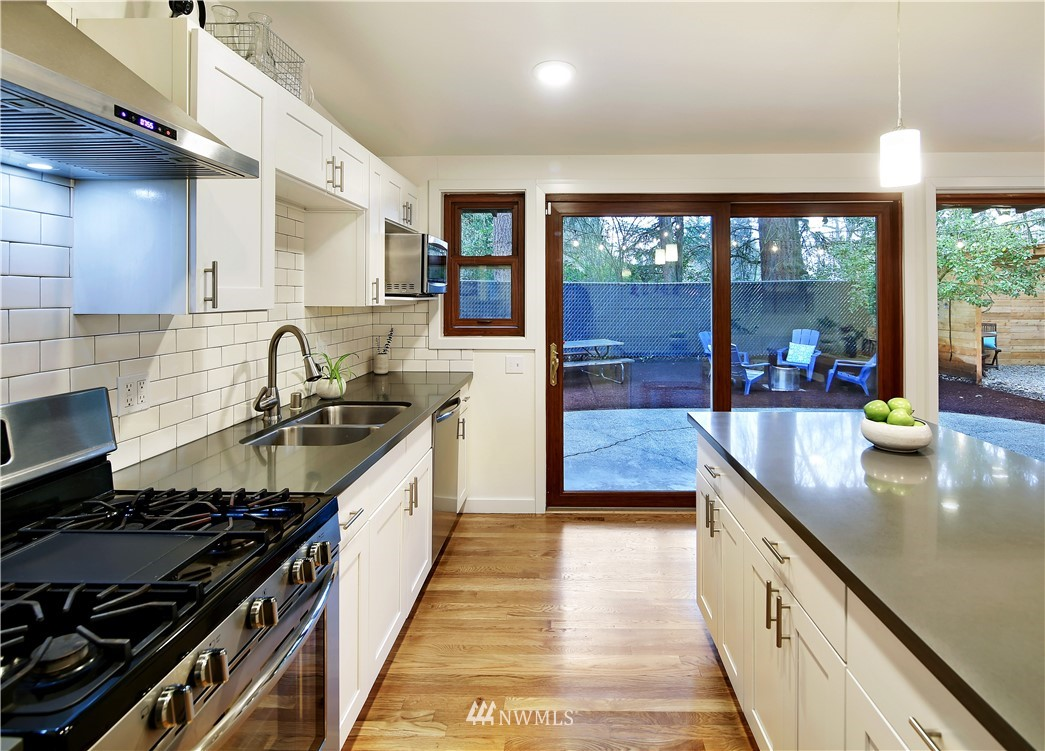 Sold Property | 15634 SE 8th Street Bellevue, WA 98008 8