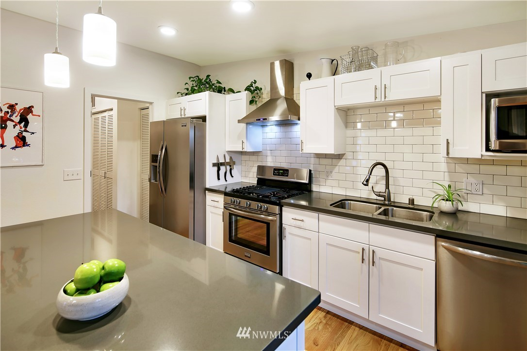 Sold Property | 15634 SE 8th Street Bellevue, WA 98008 9