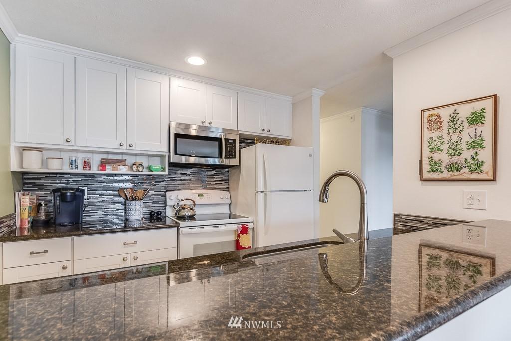 Sold Property   17431 Ambaum Boulevard S #D47 Burien, WA 98148 4