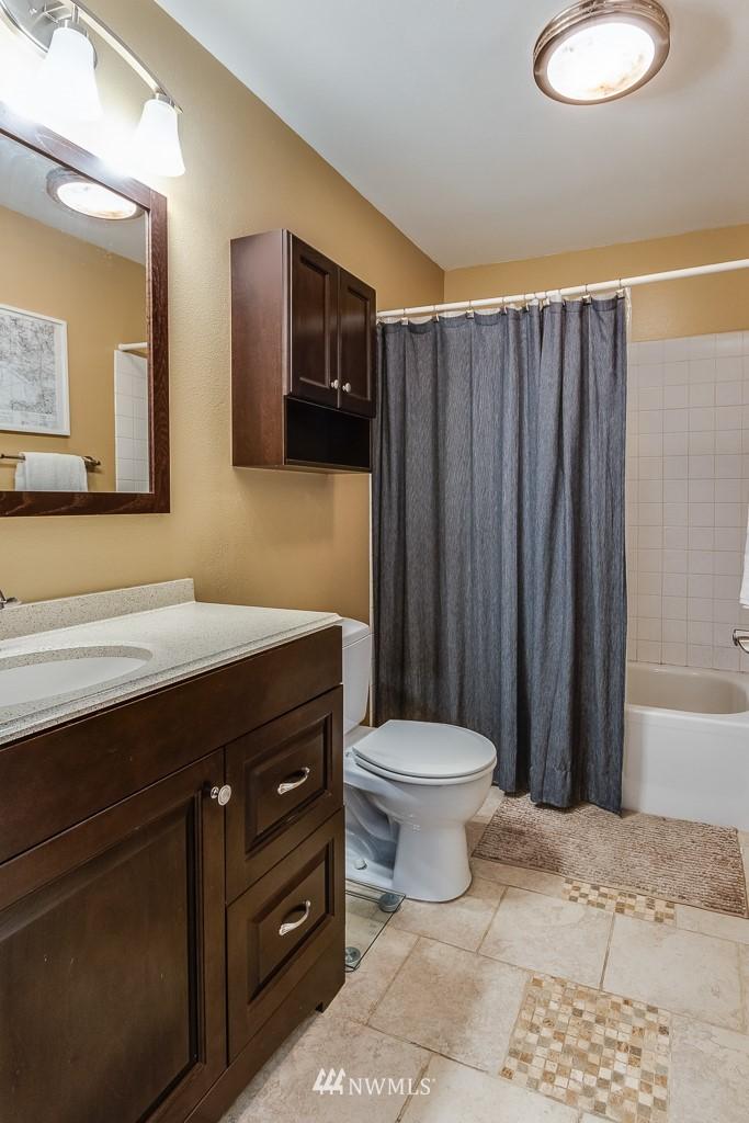 Sold Property   17431 Ambaum Boulevard S #D47 Burien, WA 98148 11