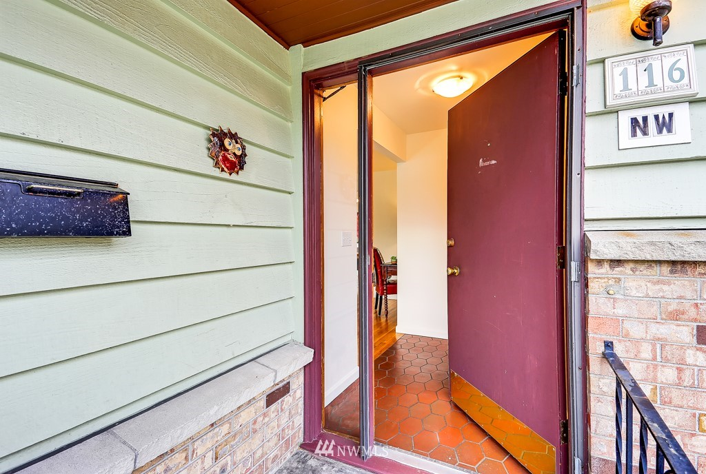 Sold Property | 116 NW 78th Street Seattle, WA 98117 2