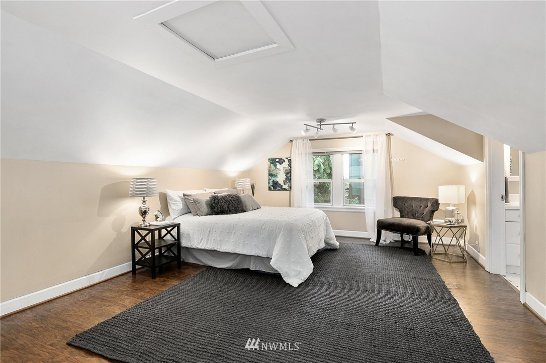 Sold Property   506 N 101st Street Seattle, WA 98133 21