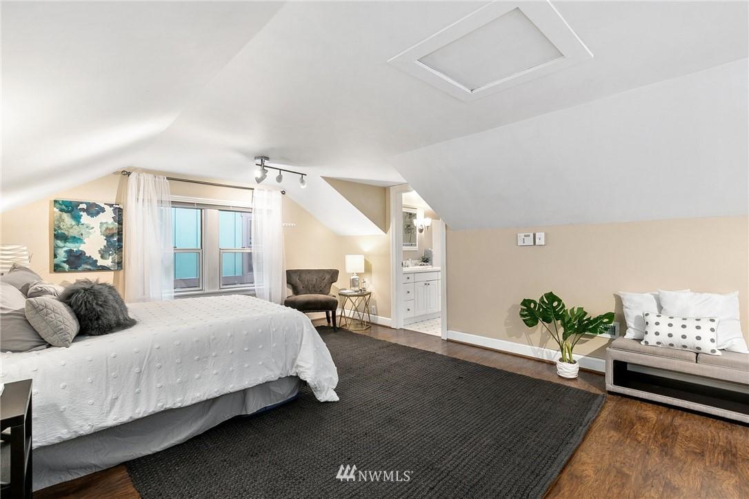 Sold Property   506 N 101st Street Seattle, WA 98133 23