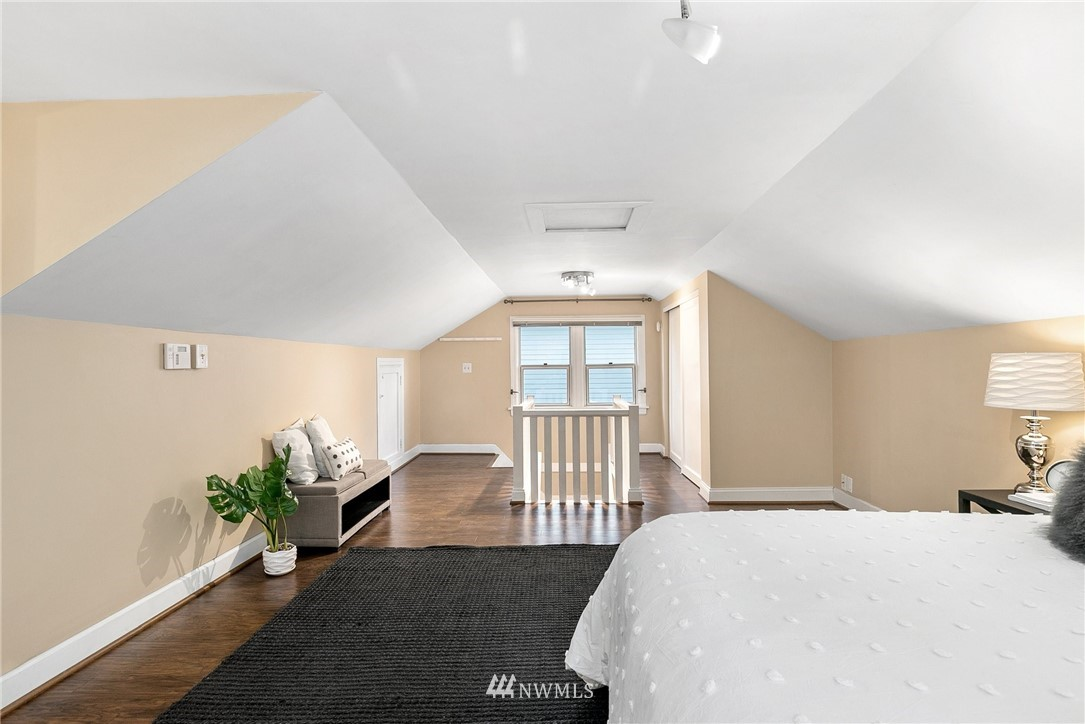 Sold Property   506 N 101st Street Seattle, WA 98133 22