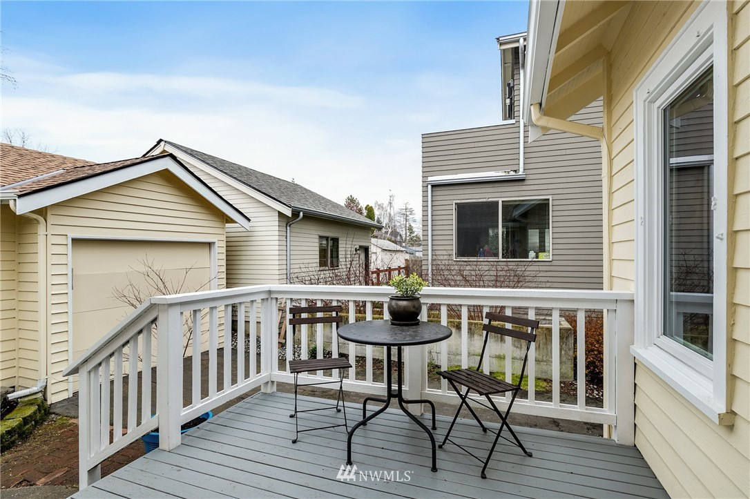 Sold Property   506 N 101st Street Seattle, WA 98133 26