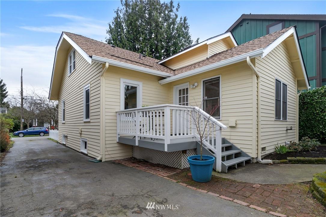 Sold Property   506 N 101st Street Seattle, WA 98133 28