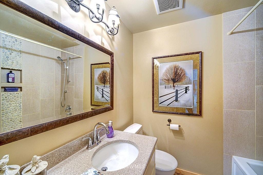 Sold Property | 15813 70th Avenue NE Kenmore, WA 98028 11