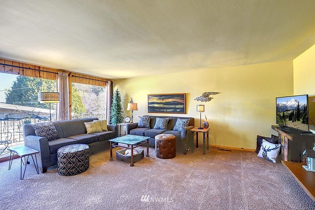 Sold Property | 15813 70th Avenue NE Kenmore, WA 98028 4