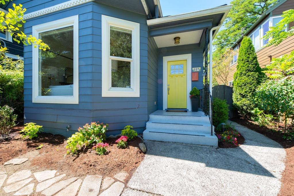 Sold Property | 227 22nd Avenue E Seattle, WA 98112 0
